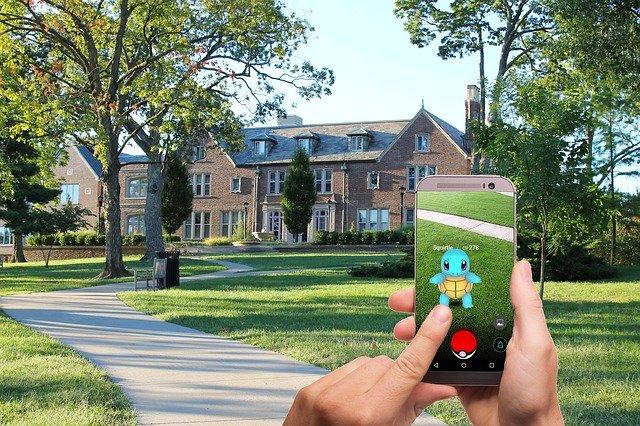 Displej telefonu s Pokémonem