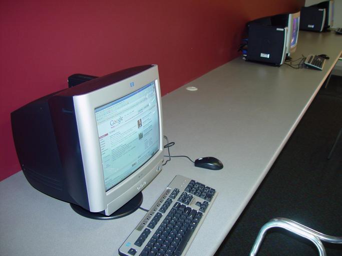 dva počítače